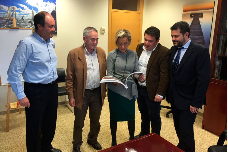 La Consejería de Agricultura muestra su apoyo al Congreso Extraordinario de Fruta de Hueso