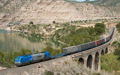 Rusia permite que la fruta murciana llegue a Shanghái a bordo del 'tren de la seda'